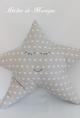 Cojín estrella gris con estrellas blancas